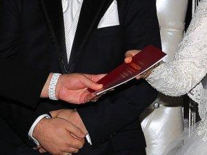 """Evlenmek için """"ehliyet"""" şartı"""