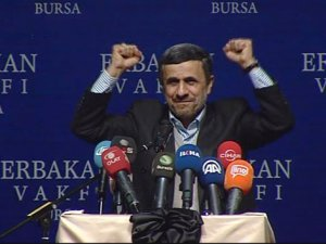 Ahmedinejad Erbakanı Anmak İstedi Ama...