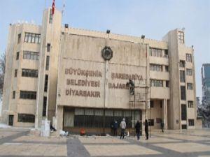 Diyarbakır Büyükşehir Belediyesi'nden Çift Dilli Tabela