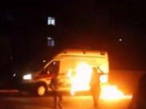 Mardin'de ambulansa molotoflu saldırı!