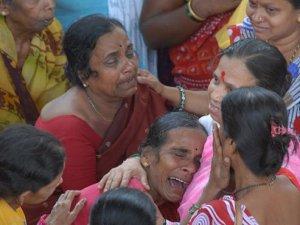 Hindistan'da tapınakta izdiham: 11 ölü