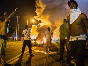 'Polis 2,5 yılda 800 siyahı öldürdü'
