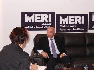 'İran Barzani'ye ders vermek istiyor'
