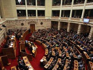 Yunanistan yardım paketini onayladı