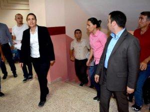 Hakkari Belediye Eş Başkanları gözaltına alındı