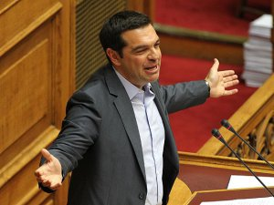 Yunanistan'da Çipras İstifa etti
