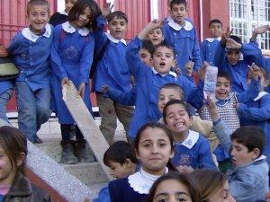 Okulların açılışı tarihi ertelendi