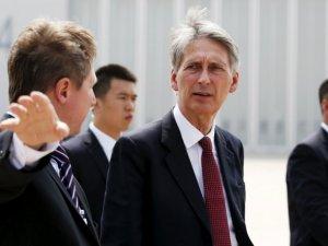 İngiltere Tahran Büyükelçiliği'ni yeniden açtı
