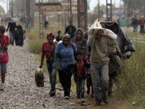 Makedonya nihayet göçmenlere kapılarını açtı