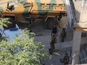 Şemdinli'de bombalı saldırı;2 asker hayatını kaybetti