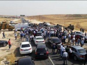 Cizre'ye gitmek isteyen HDP heyeti durduruldu