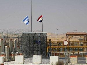 İsrail'in Kahire Büyükelçiliği yeniden açıldı