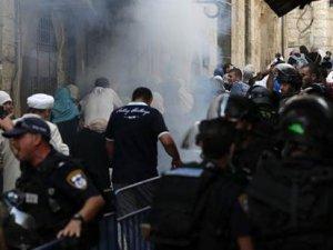 İsrail'den Mescid-i Aksa'ya baskın; en az 20 yaralı