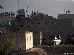 Taliban cezaevi bastı
