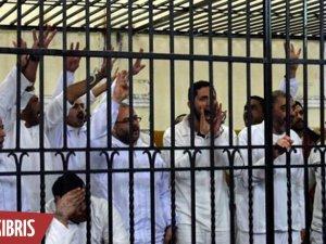 Mısır'da yedi darbe karşıtı idam edildi