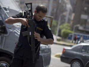 Mısır Polisi, 1 İhvan üyesini katletti