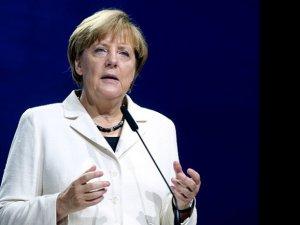 Angela Merkel: ABD bize yardım etsin