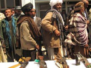 Taliban: Yabancı askerler Afganistan'ı terk etmeden barış yok