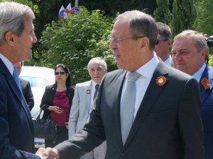 Amerîka: Rûsya 28 balafirên şer şandiye Sûriyê
