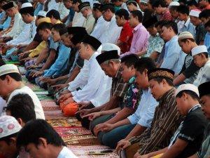 Endonezya'da bayram sevinci