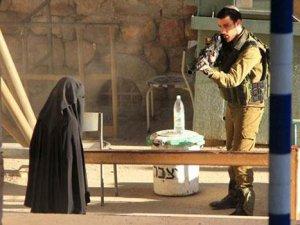 İsrail'in Filistinli genç kızı öldürme anı yayınlandı