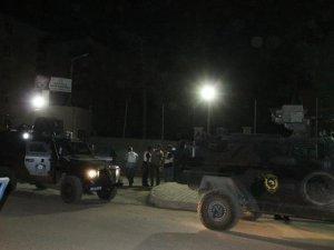 Bitlis'te zırhlı araca saldırı: 5 yaralı