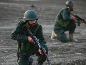 """""""Yüzlerce İran askeri Suriye'de"""""""