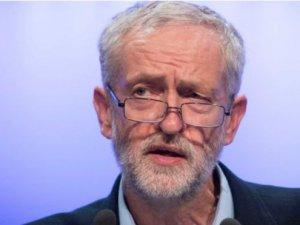 Telegraph: Corbyn Kraliçe'nin önünde diz çökmeyecek