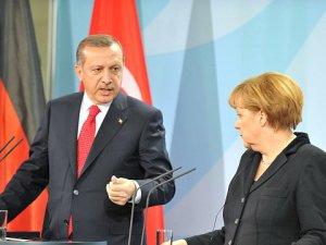 Merkel: Mülteciler İçin Türkiye'ye Muhtacız Ama...