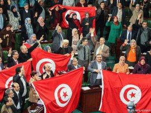 Nobel Barış Ödülü Tunus'a bir uyarı