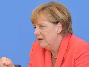 Merkel'den Türkiye'ye sürpriz ziyaret