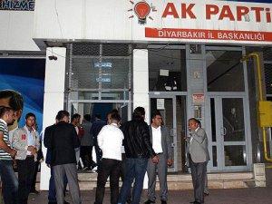 AK Parti Diyarbakır İl Başkanlığına saldırı