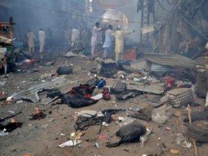 Pakistan'da intihar saldırısı: 22 ölü
