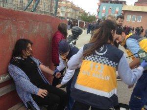 Sandık Başında AK Parti-HDP'li Kavgası! Polis Müdahale Etti