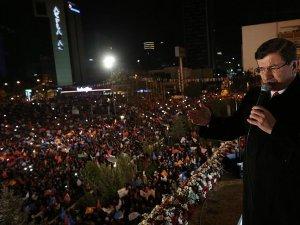 Davutoğlu:'Sandıklara şiddeti, terörü, istikrarsızlığı gömdünüz'