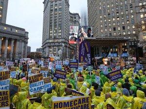ABD'de işçiler asgari ücret için sokaklarda