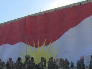 Alek mezin ê Kurdistanê li Şingalê hate bilind kirin