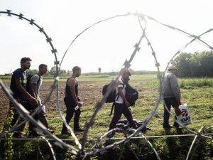 Aşırı sağcı liderler diş gösterdi: IŞİD terörünün faturası sığınmacılara çıkarılıyor