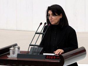 Zana: 24 yıl sonra ikinci kez yemine Kürtçe Başladı