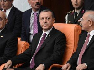 """Gazeteciler Leyla Zana'nın yemin krizi için değerlendirme istedi, Erdoğan """"Benden almayın"""" dedi"""