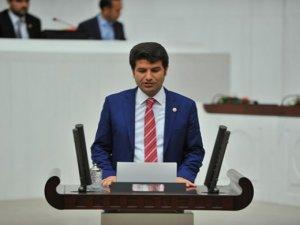 HDP'li Aslan yemin öncesi Arapça konuştu