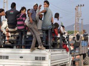 Yaşanan onca ölüme rağmen tarım işçilerine kamyonet kasalarında yolculuk yaptırılıyor