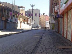 Tüm kentte kepenkler kapalı