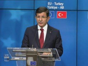 AB: Türkiye'ye vize serbestisi Ekim 2016'da başlayacak