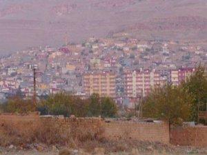 Derik'te askeri araca roketatarlı saldırı;1 asker hayatını kaybetti