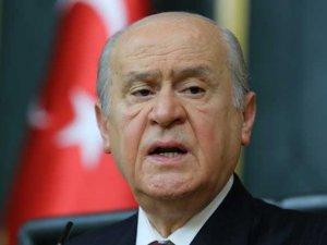 Bahçeli hem Cemaat'i hem Akşener'i suçladı