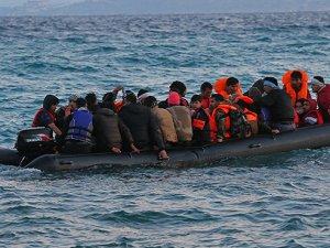 Ege'de sığınmacı botu battı: Üç ölü, onlarca kayıp