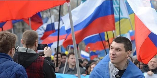 Kırım'da kritik referandum başladı