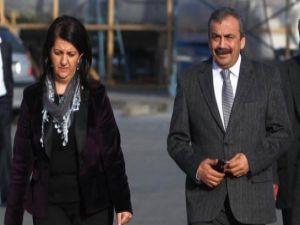 BDP-HDP heyeti İmralı'ya hareket etti