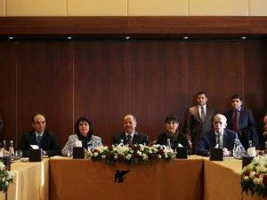 Barzani, Kürt partileriyle çözüm sürecini görüşecek